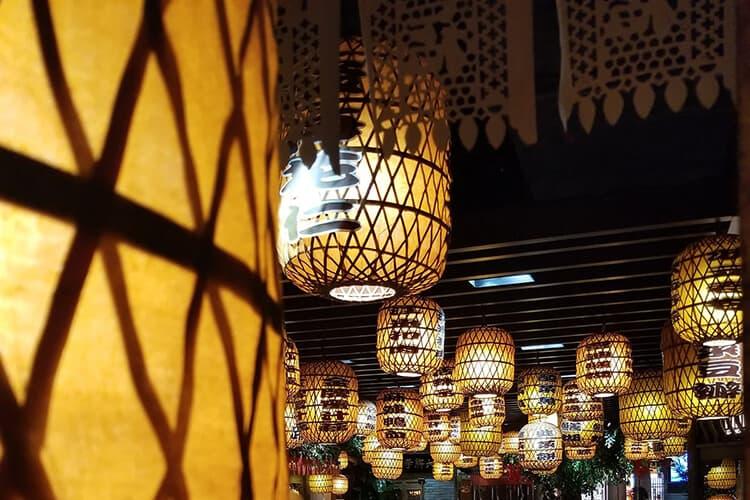 custom lighting ultimate guide - custom lighting for Japanese style restaurant