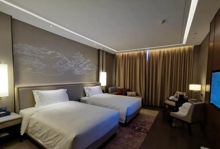 Goodlux custom hotel room lighting 4